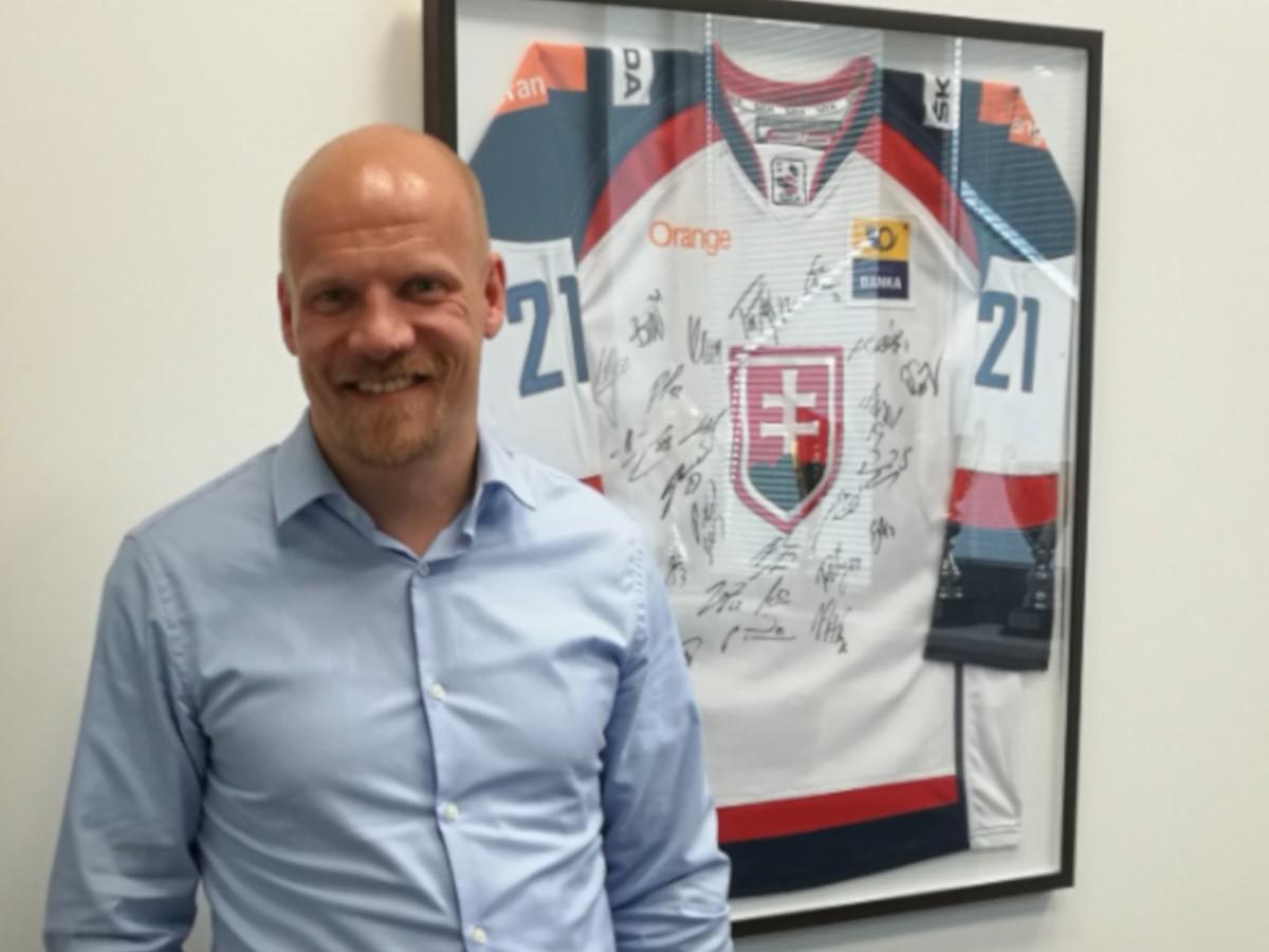 9fc24e8522b7d Fínsky hokejový expert Jukka Tiikkaja: Líder by sa nemal báť priznať, že  niečo nevie